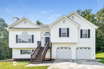66 PARADISE DR 4 Beds House for Rent Photo Gallery 1