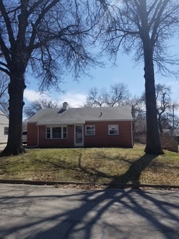 4245 Lenox Avenue 3 Beds House for Rent Photo Gallery 1