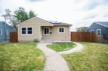 2755 W Archer Place 3 Beds House for Rent Photo Gallery 1