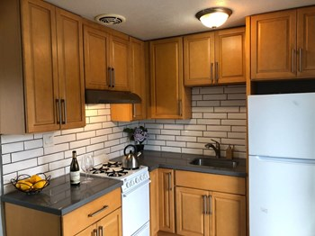 2113 10Th Street #2 2 Beds Apartment for Rent Photo Gallery 1