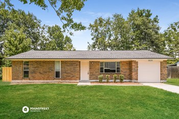 2839 TANGLEWOOD BLVD #4 3 Beds House for Rent Photo Gallery 1