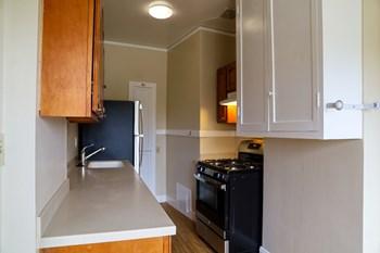 #34 Studio Apartment for Rent Photo Gallery 1