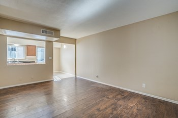 2929 N 36Th St Studio-2 Beds Apartment for Rent Photo Gallery 1