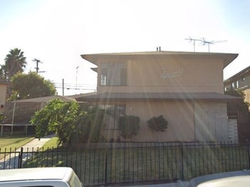 3570 Brenton Avenue 2-4 Beds Apartment for Rent Photo Gallery 1