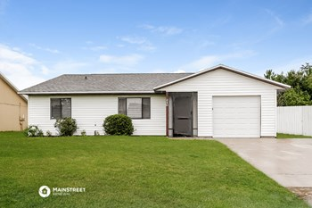 240 GRIFFORD DR 3 Beds House for Rent Photo Gallery 1