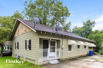 2211 Dauphine St 3 Beds House for Rent Photo Gallery 1