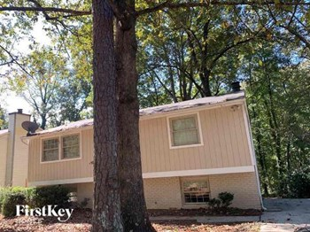 5372 MARTINS CROSSING ROAD 4 Beds House for Rent Photo Gallery 1
