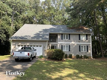 240 Hollyberry Ln 5 Beds House for Rent Photo Gallery 1