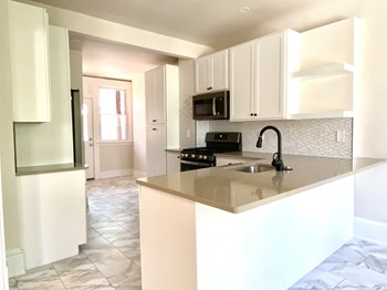 14815 Clifton Boulevard 2 Beds Apartment for Rent Photo Gallery 1