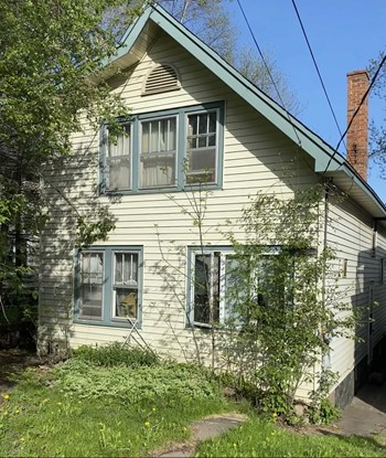 19 E 7Th Street 3 Beds House for Rent Photo Gallery 1
