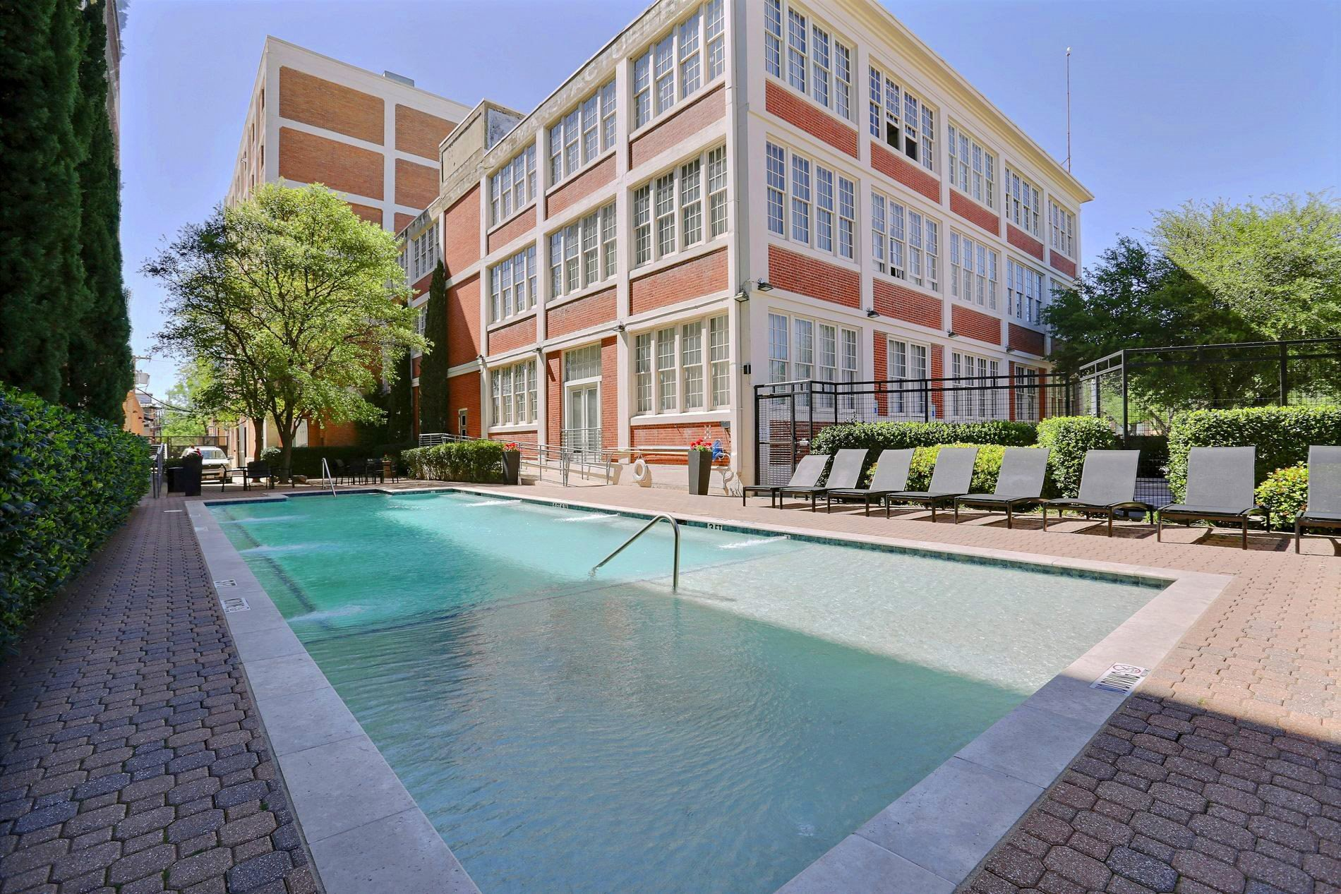 Deep Ellum Lofts Apartments In Dallas Tx