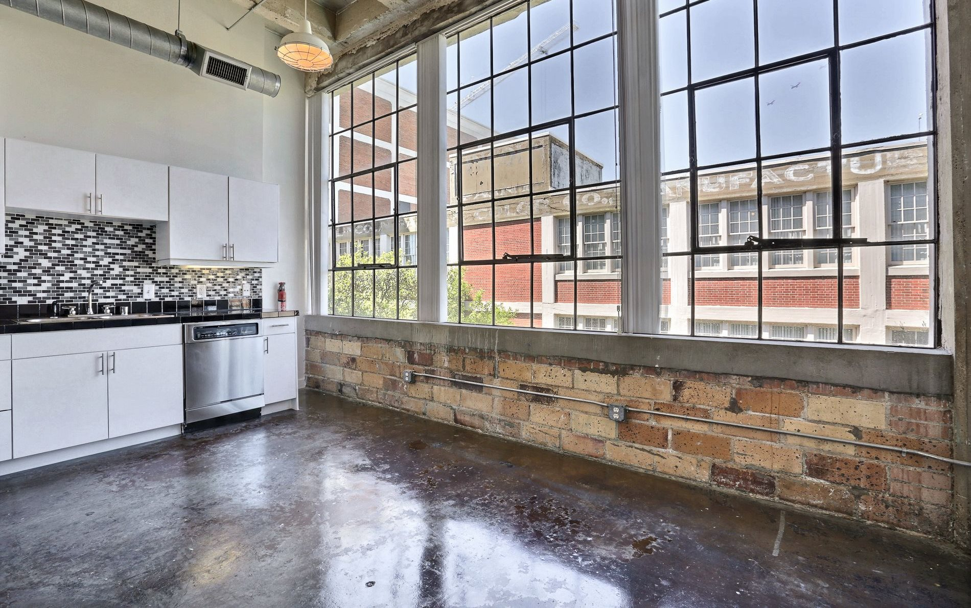Deep Ellum Lofts | Apartments in Dallas, TX