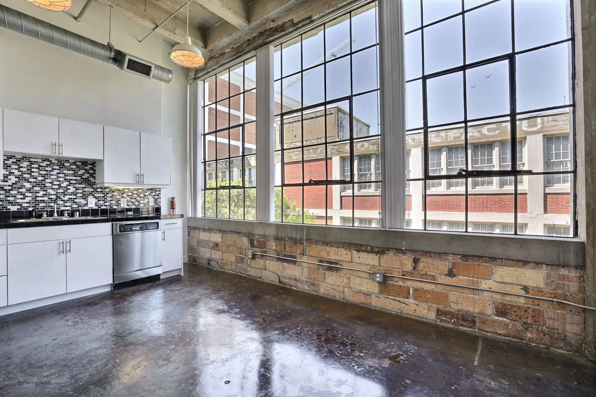 Photos And Video Of Deep Ellum Lofts In Dallas Tx