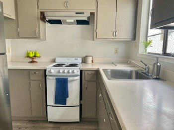 2436 8Th Street #4 2 Beds Apartment for Rent Photo Gallery 1