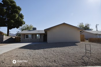 2126 CITROEN ST 3 Beds House for Rent Photo Gallery 1