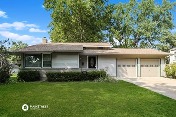 7730 W 96TH ST 3 Beds House for Rent Photo Gallery 1