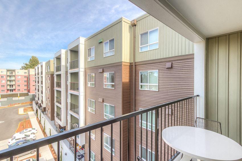 Polaris Apartments For Rent in Shoreline 98155