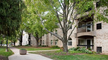 1653 Anderson Road 1-2 Beds Apartment for Rent Photo Gallery 1