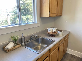 2239 East 15Th Street 3 Beds Apartment for Rent Photo Gallery 1