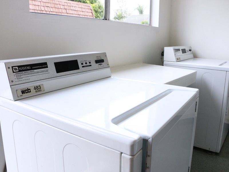huntington-beach-apartments-onsite-laundry