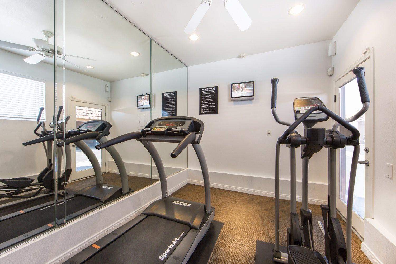 huntington-beach-apartments-cardio-room