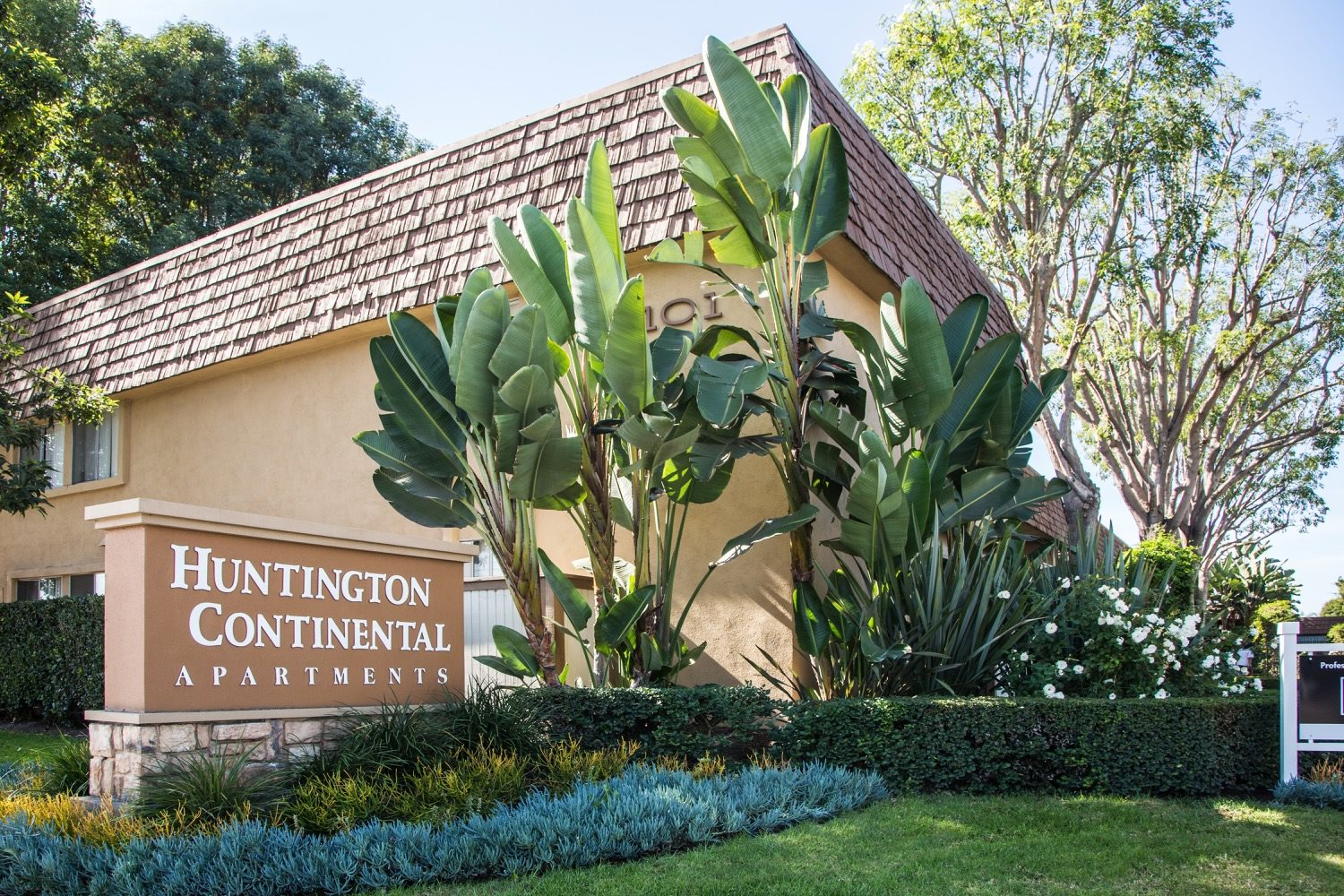 huntington-continental-apts
