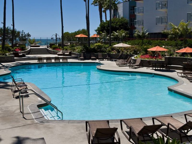Ocean-Club-Amenities-Pool-Redondo-Beach