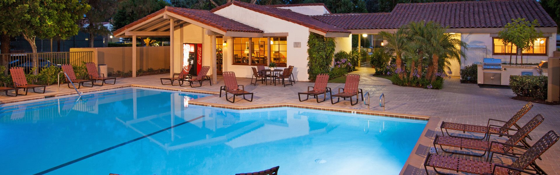 The vineyards apartments in anaheim hills ca for Garden hills pool hours