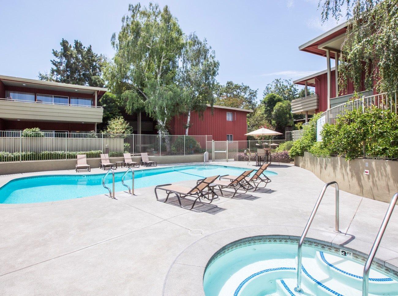 bay-tree-los-gatos-apartments-pool-spa