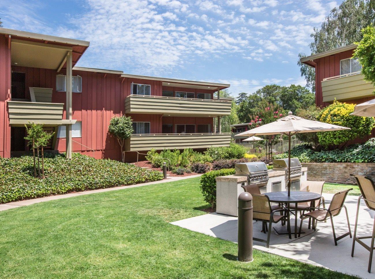 bay-tree-los-gatos-apartments-picnic