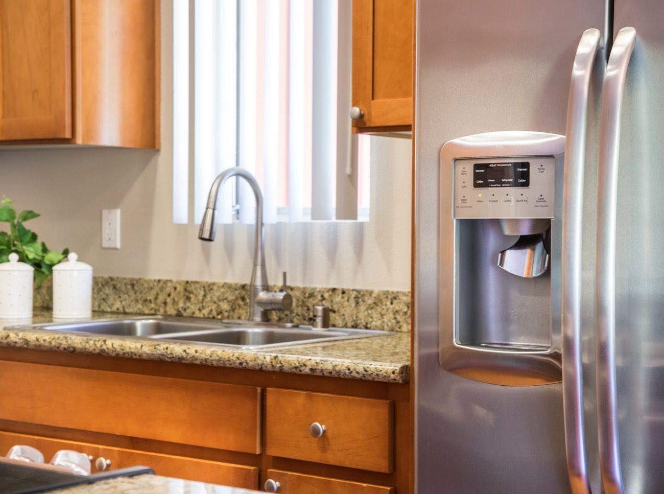 bay-tree-los-gatos-apartments-kitchen-refrigerator