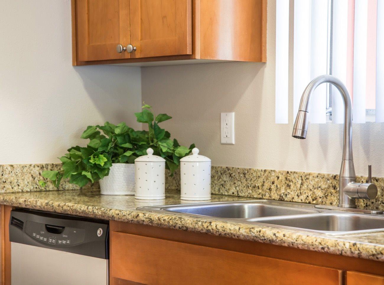 bay-tree-los-gatos-apartments-kitchen-sink
