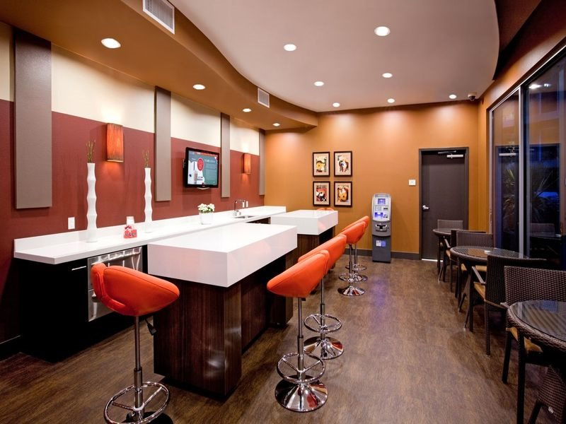 gallery421-Amenities-Lounge