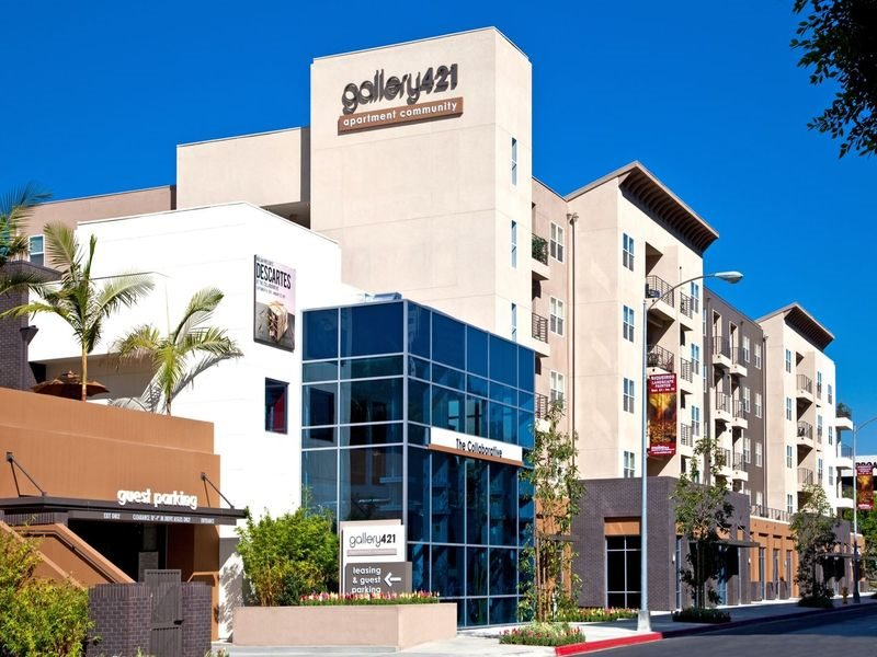 gallery421-Exteriors-Long-Beach-Apartments