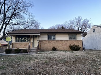 1532 E Gates St 3 Beds House for Rent Photo Gallery 1