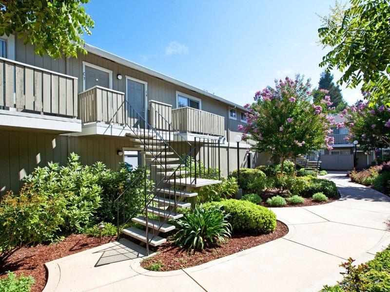 Pruneyard-West-Exterior-Campbell-Apartments