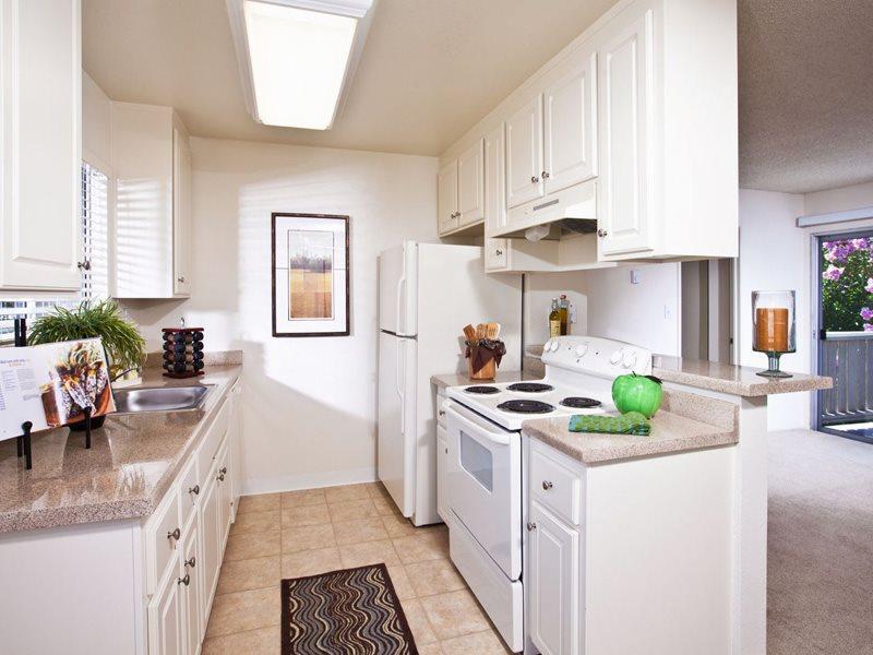 Pruneyard-West-Interior-Kitchen-Living-Campbell-Apartments