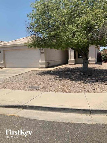 7356 N 70TH Avenue 3 Beds House for Rent Photo Gallery 1