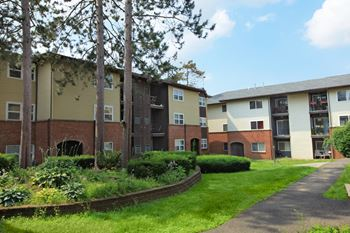 701 London Square Drive Studio-3 Beds Apartment for Rent Photo Gallery 1