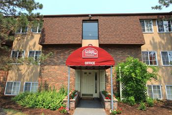 37 Uptown Road #16D 2 Beds Apartment for Rent Photo Gallery 1