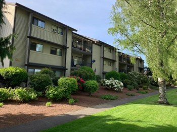 1123 16TH AVENUE 1-3 Beds Apartment for Rent Photo Gallery 1