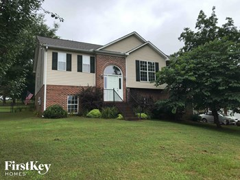 12 Mountain Oaks Lane 4 Beds House for Rent Photo Gallery 1