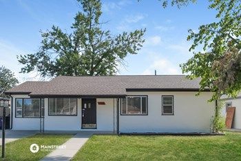 1576 S MEADE ST 3 Beds House for Rent Photo Gallery 1