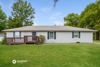 4710 E 135Th St 3 Beds House for Rent Photo Gallery 1