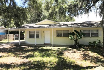 2311 55Th Avenue West 2 Beds House for Rent Photo Gallery 1