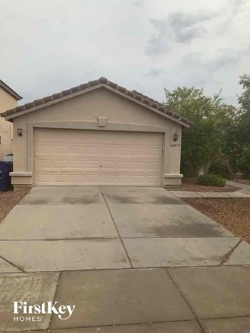 12417 W Surrey Avenue 3 Beds House for Rent Photo Gallery 1