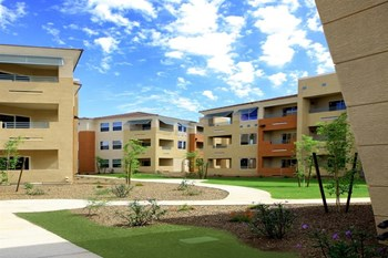 28425 N Black Canyon Hwy 1-3 Beds Apartment for Rent Photo Gallery 1