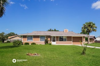 6300 HUDSON RD 3 Beds House for Rent Photo Gallery 1