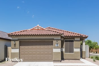 3822 W SAINT ANNE Avenue 4 Beds House for Rent Photo Gallery 1