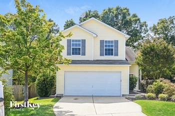 247 North Fuquay Springs Avenue 4 Beds House for Rent Photo Gallery 1
